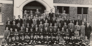 Whole-Scotch-school-1932-cropped